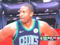 ALFRED JOEL HORFORD REYNOSO Y Boston Celtics … Caen En Houston … Arbitraje Pesimo … Galeria De Fotos.!!!